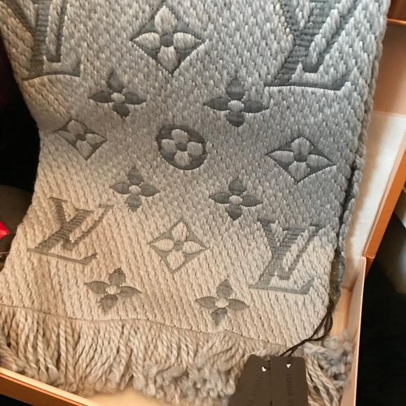 d0d102b9eef3e Auth. Louis Vuitton Logomania Scarf W  box   bag